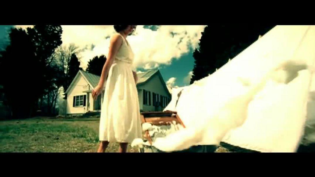 Suds In The Bucket - Sara Evans.