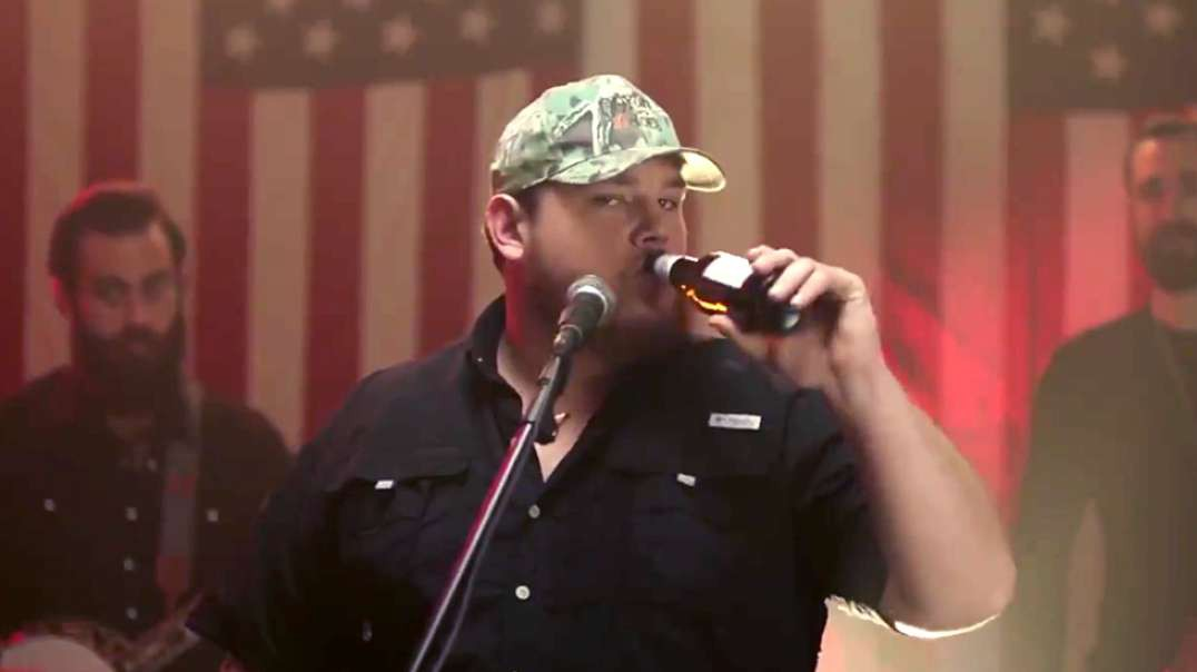 Beer Never Broke My Heart - Luke Combs.