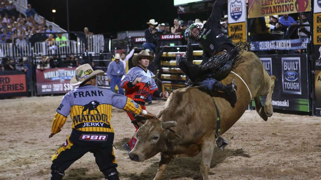 Frank Newsom Bullfighter - Wrecks , Saves and Highlights.