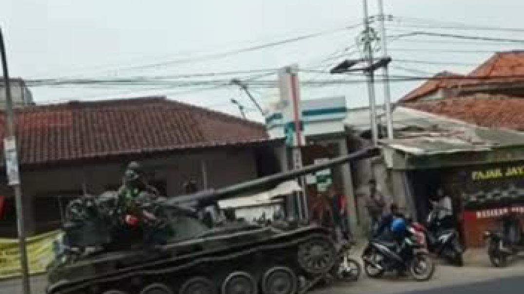 Panzer Tank hits street vendor.