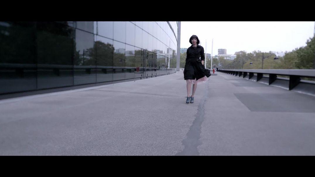 Audrey dans sa bulle  : Folie passagère